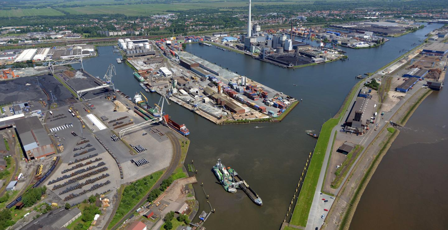 Overview Harbour of Bremen
