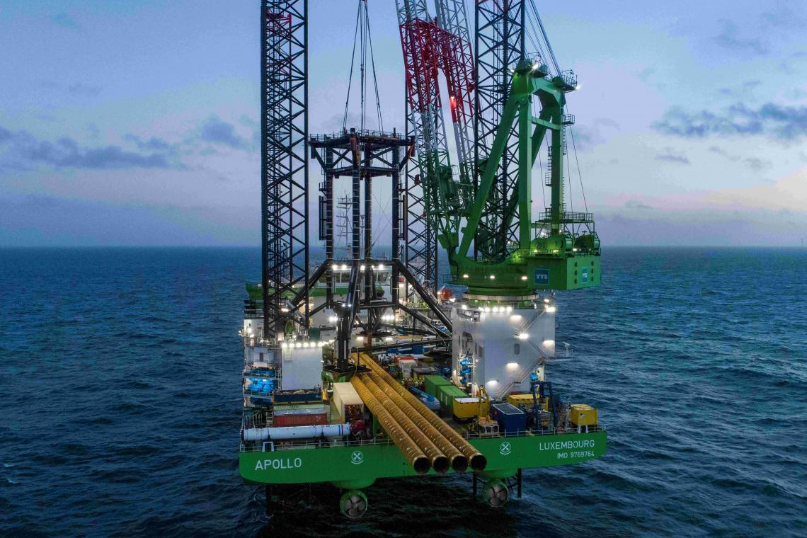 Apollo (Offshore Installation Vessel) at Q10 project, from the side